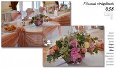 12-6 Főasztal virágdíszek-038