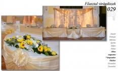 12-6 Főasztal virágdíszek-029